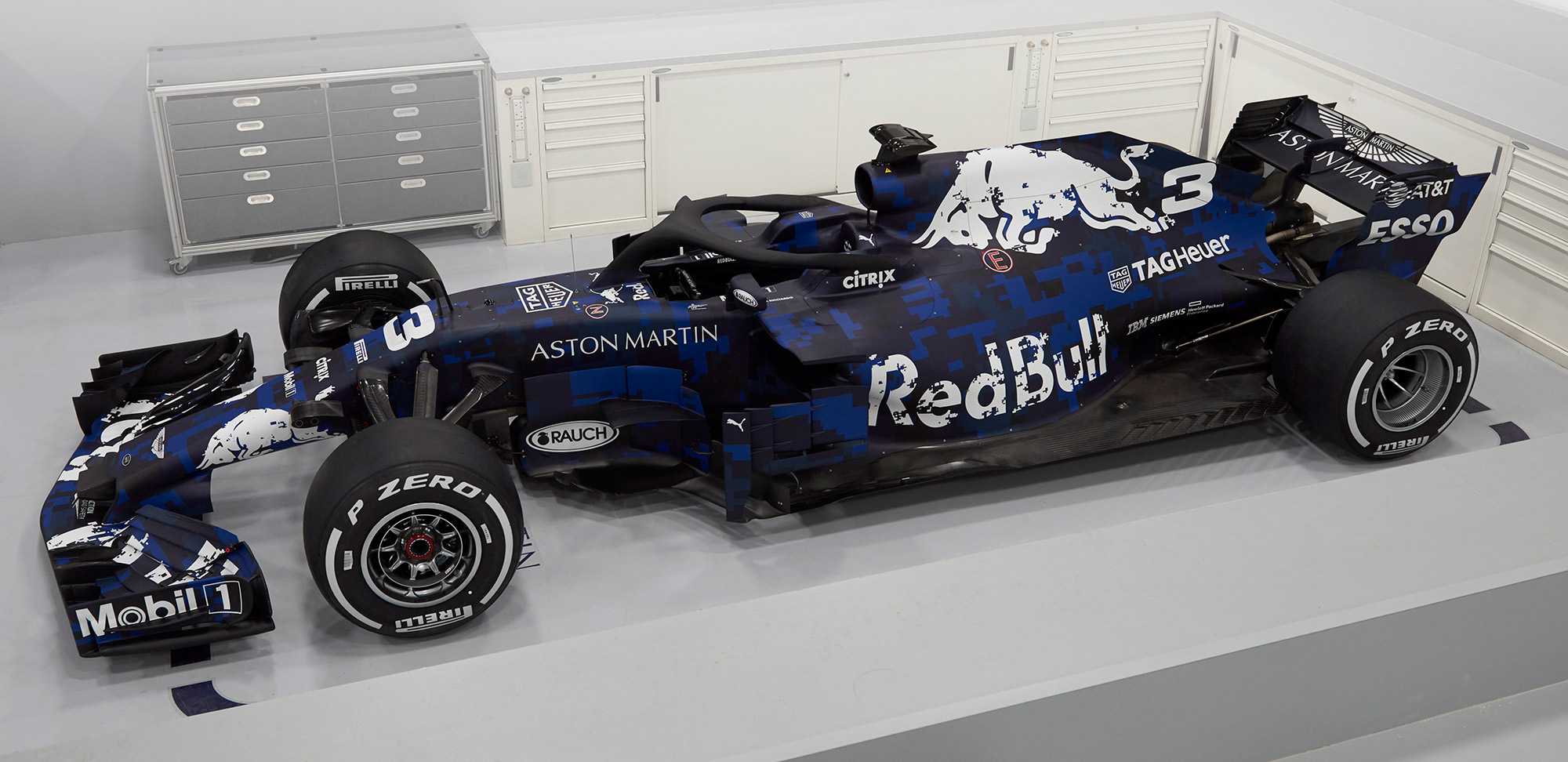Aston Martin Red Bull Racing - RB14 - F1 2018 - side-face