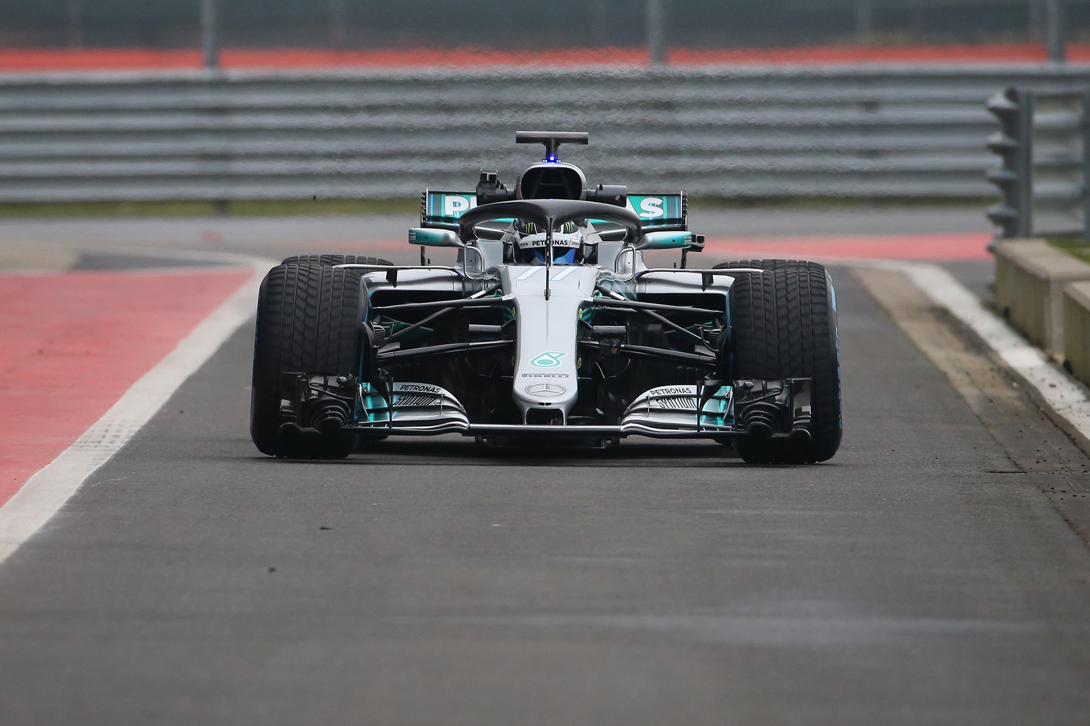 Mercedes-AMG W09 EQ Power+ - 2018 - front face - track