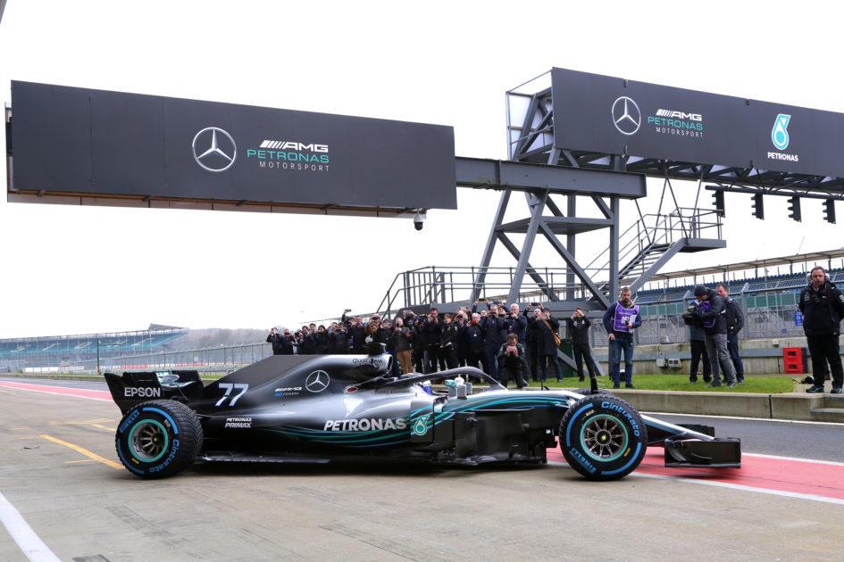 Mercedes-AMG W09 EQ Power+ - 2018 - side-face - track