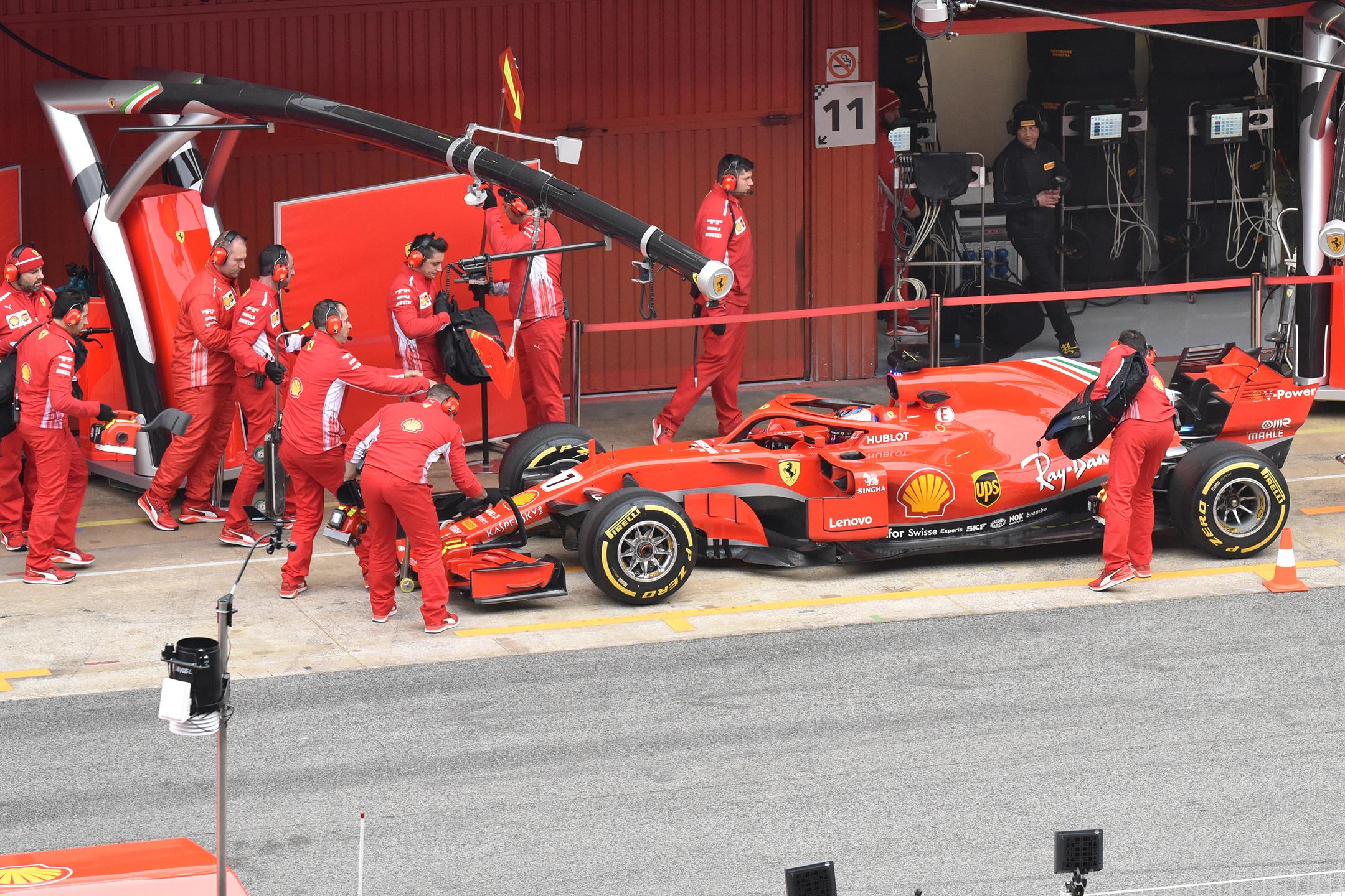 Scuderia Ferrari SF71H - pitlane - F1 Testing - 2018 - photo by Jacques Denis - Team DESIGNMOTEUR
